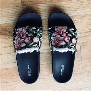 Shoes - Floral slides